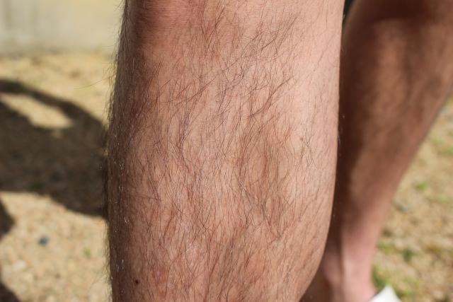 簡単にすね毛を薄くする方法はある?それぞれの処理方法を比較すると