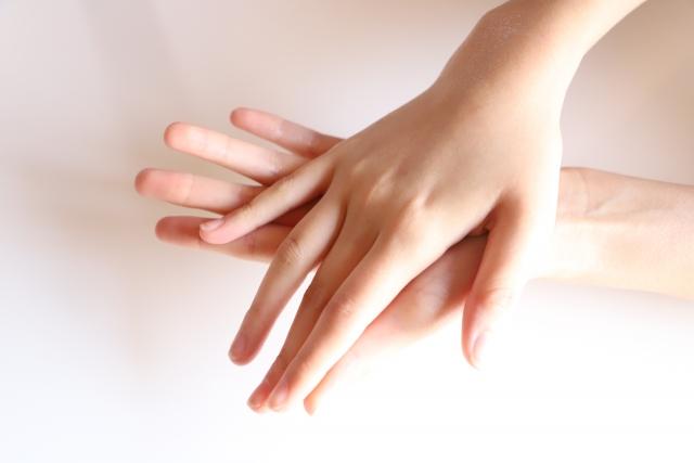 指毛がツルスベになる最適な処理方法は?おすすめの除毛クリーム5選!